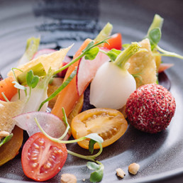 collective-hospitality-food-service-salad